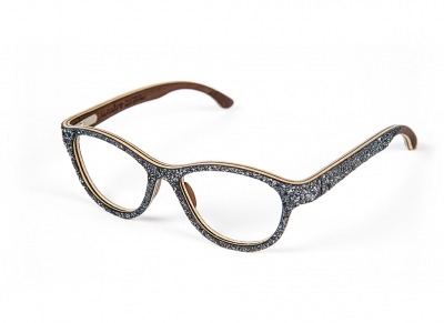 WooDoneeyewear: as unique as the wood from which they are made